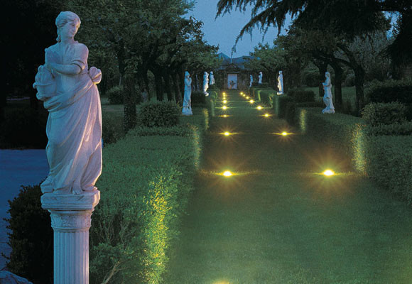 Ilumina el jardín con Unopiú