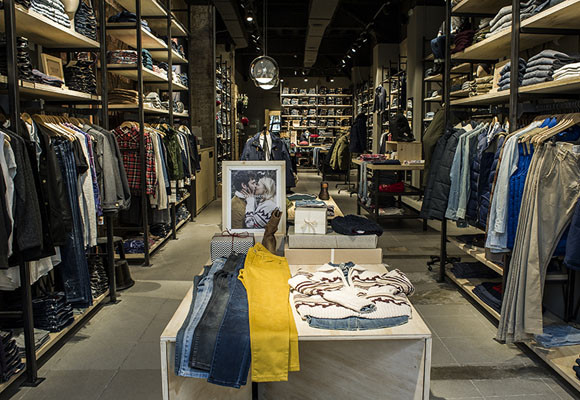 Temporary Store, Levis